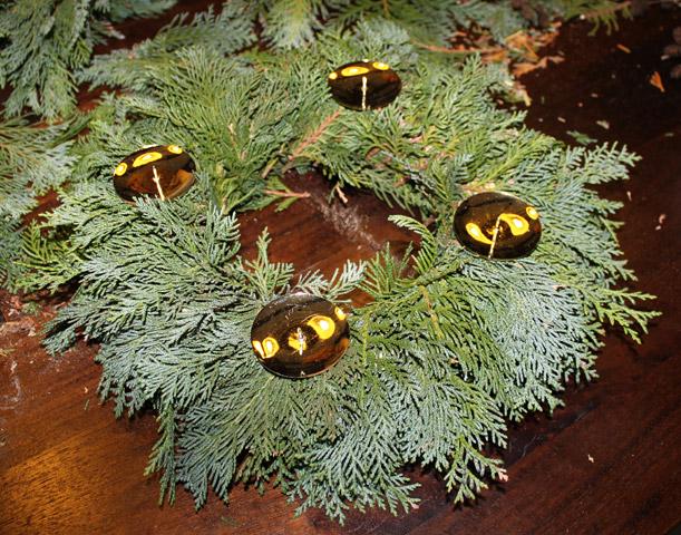 207b88bd0 ... adventní věnec, návod jak vyrobit adventní věnec, fotonávod věnec,  vánoční věneček ...