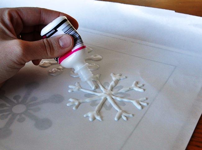Sněhové vločky - vánoční vystřihovánky, vánoční dekorace, zdobení vánočního okna, vánoce, vánoční ozdoby, slupovací barvy na sklo, sněhové vločky, šablona, šablovy pro slupovací barvy na sklo, šablona vločky
